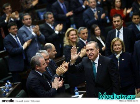 Ərdoğan AKP-nin toplantısında prezident seçildi