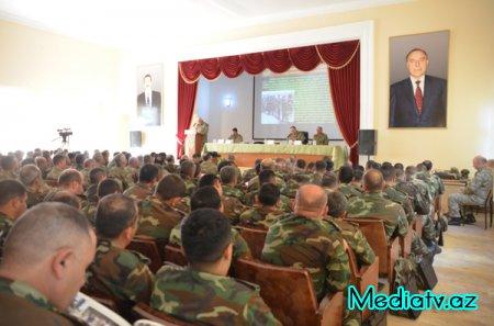 Zakir Həsənov generalları nazirliyə topladı - FOTOLAR