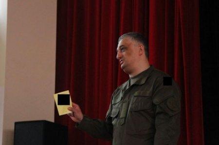 Ehtiyatda olan zabitlərin hərbi biletinin forması dəyişdirildi