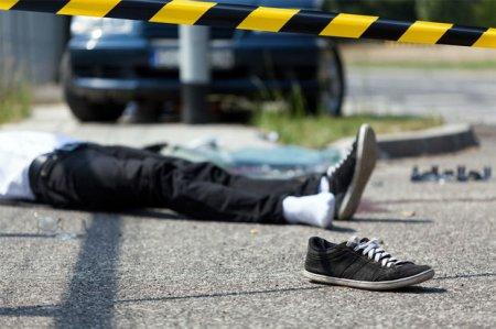 Bakıda üç nəfəri maşın vurdu, biri öldü