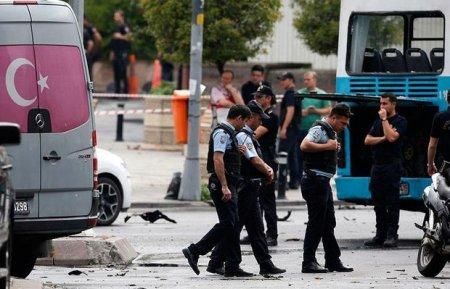 Türkiyədə terrorçularla atışma: Ölənlər var