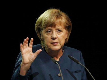 """Merkel: """"Avropa şirkətləri İrandan getməli olacaq"""""""