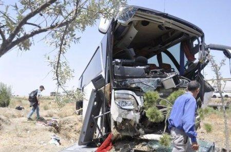 50-dən çox turistin olduğu avtobus qəzaya uğradı