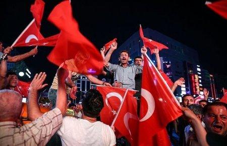 Türkiyə 15 iyul şəhidlərini anır – FOTO