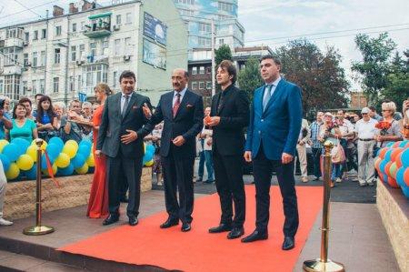 Kiyevdə Müslim Maqomayev bağı açıldı