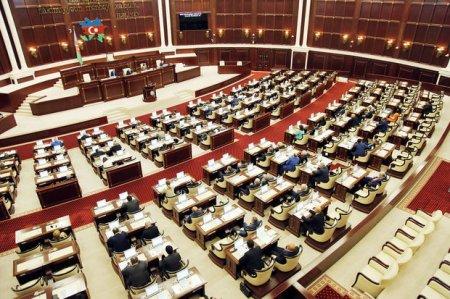 Parlamentin növbəti iclası qabağa çəkildi
